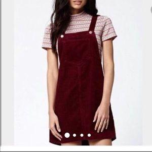Kendall & Kylie burgundy corduroy pocket dress